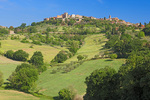 D3X 79.  The hilltop village of San Gimignano in afternoon sun.  Tuscany, Italy